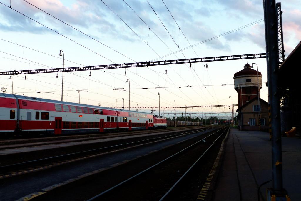 Kromě toho, že jsou zadarmo, jsou Slovenský vlaky taky fakt luxusní. Teda alespoň příměstský bratislavský.